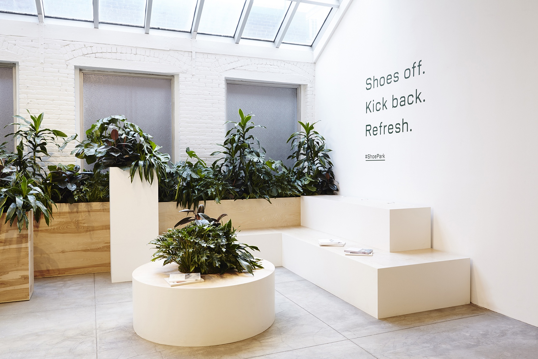 Everlane's Shoe Park pop-up in SoHo was reportedly inspired by the flora of London's Barbican Centre.